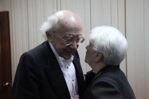 Поздравления от постоянной слушательницы - Натальи Солженицыной. Фото Сергея Бирюкова