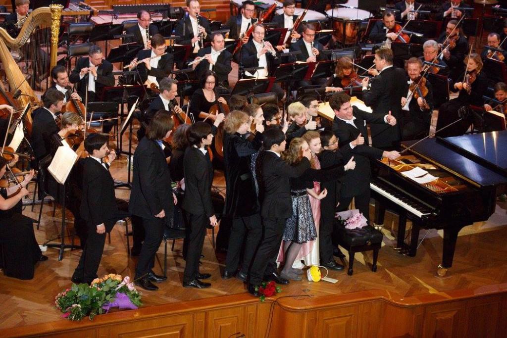 Гранд пиано конкурс