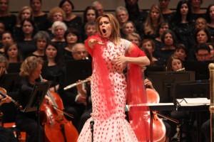 Кристине Ополайс исполняет арию из оперы Пуччини «Мадам Баттерфляй», фотограф – Хироюки Ито