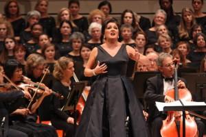 Анна Нетребко исполняет арию «La mamma morta» из оперы Джордано «Андреа Шенье», фотограф – Хироюки Ито