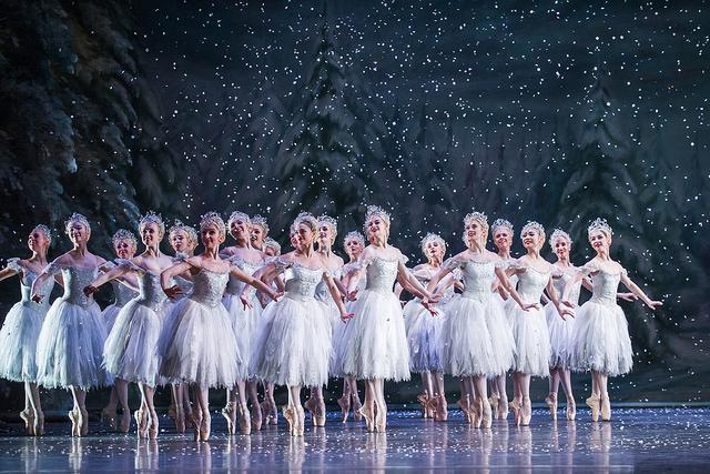 Узоры музыкой: как Чайковский использовал возможности оркестра для создания непревзойденных шедевров балета