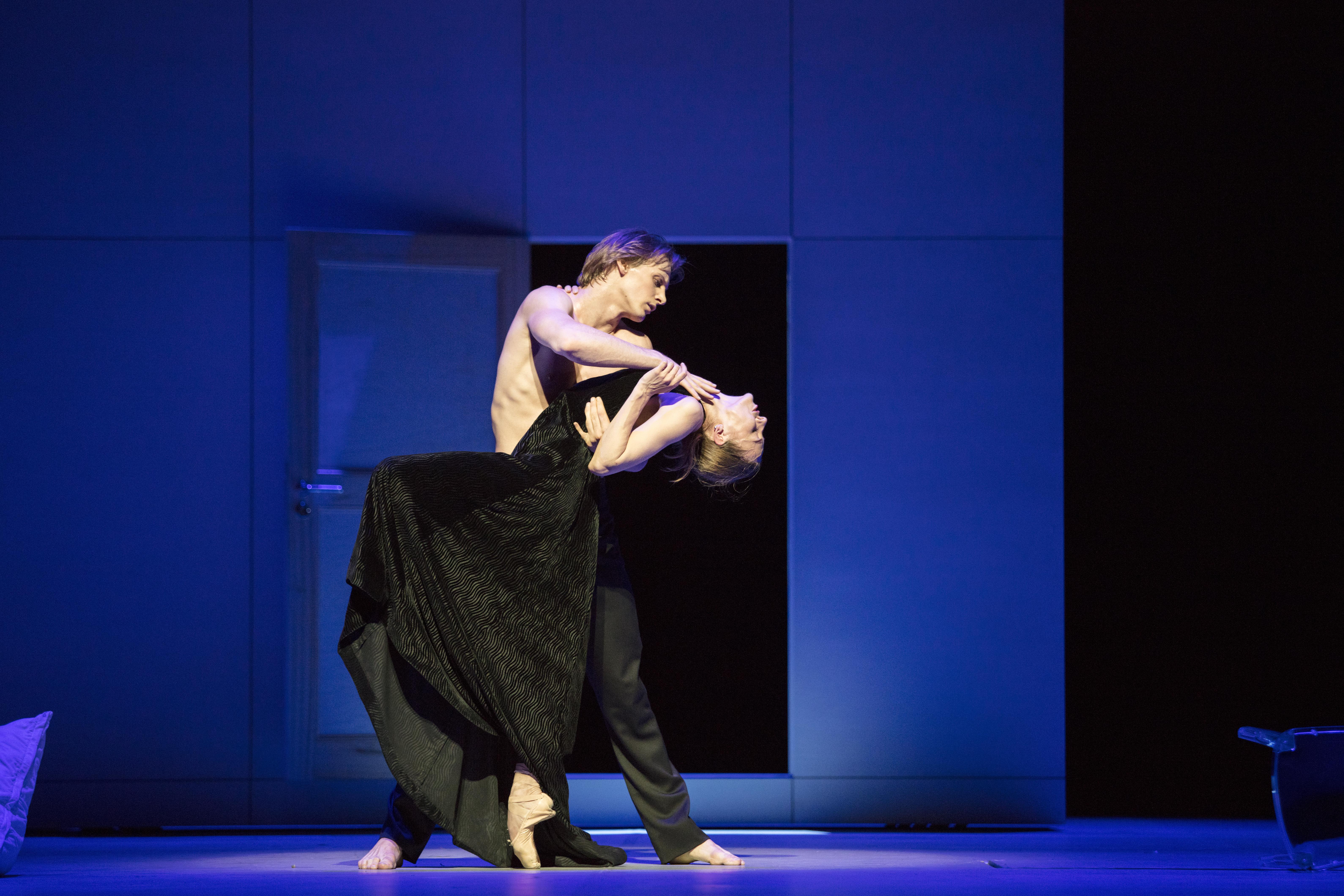 Видео танцовщиц эротичных руских на сцене фото 218-534