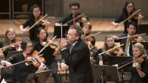 Оркестр Немецкой молодёжной филармонии (Junge Deutsche Philharmonie), Дирижёр Джонатан Нотт