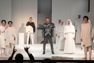 Милосердие Тита в театре Покроского