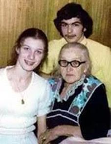 Маргарита Перкун-Бебезичи с бабушкой
