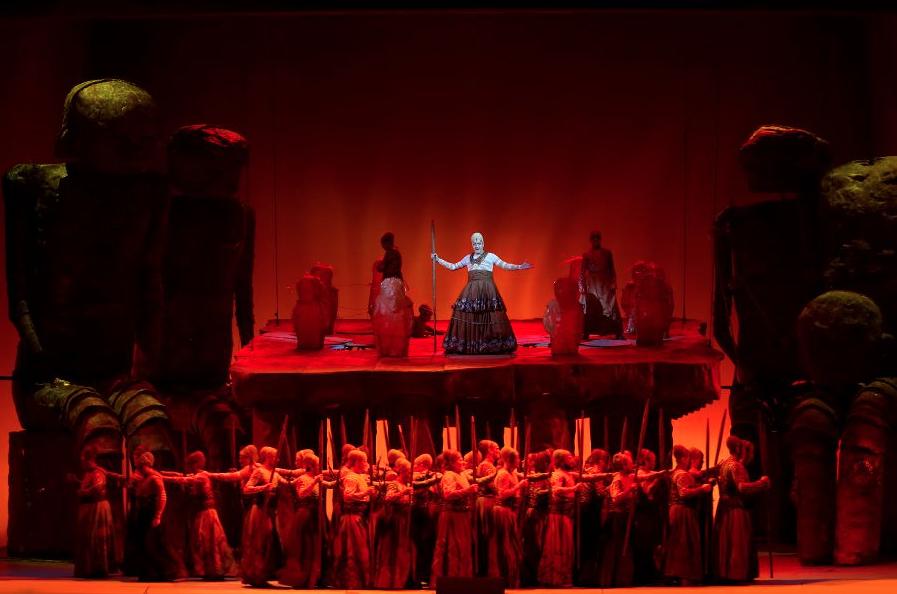сцена из Гибели богов