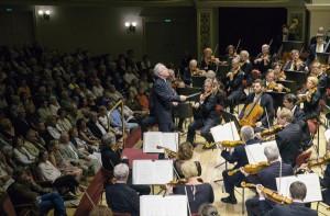 12. Symphoniekonzert der Staatskapelle Dresden mit Manfred Honeck und Christian Tetzlaff