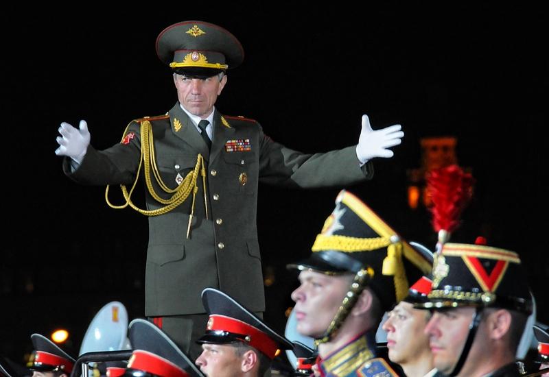 парни дирижеры военных оркестров россии развратная Сексуальные мальчишки