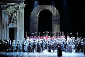 Опера Тоска в Вероне. Сцена